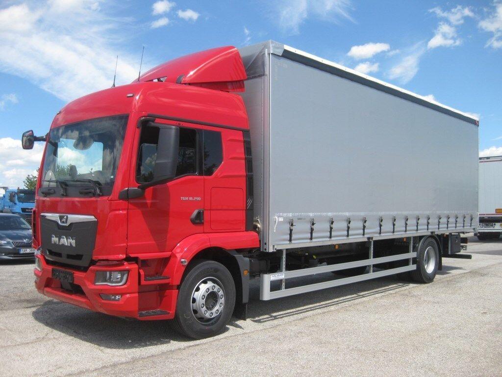 plachtový nákladní auto MAN TGM 18.290 BL 4x2